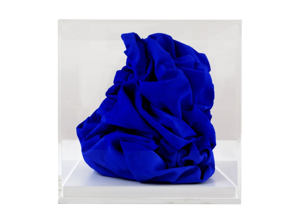 sir-anish-kapoor-blue-scarf-cube-2019-art-exhibition-cure-parkinsons